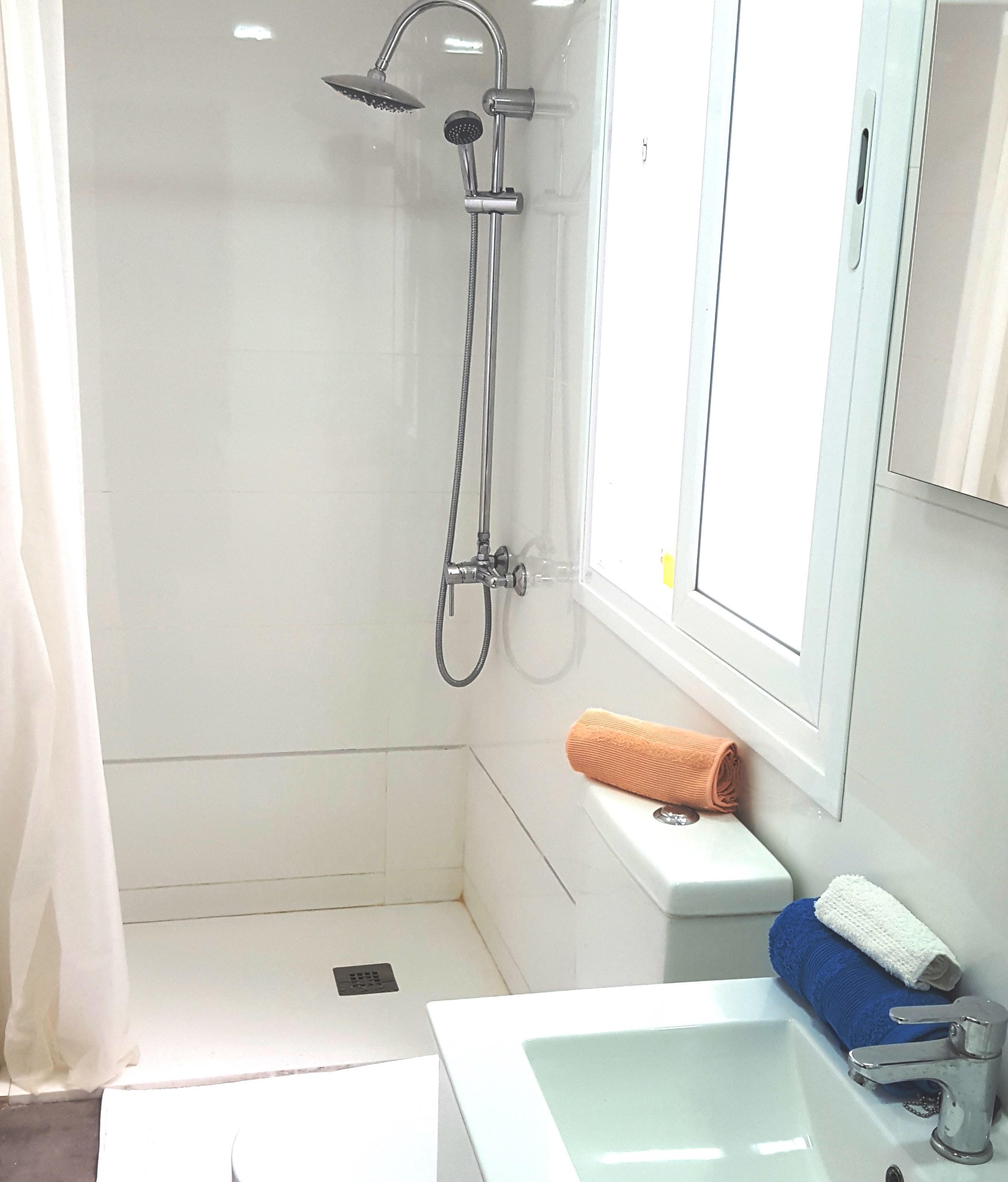 Baño, ducha grande